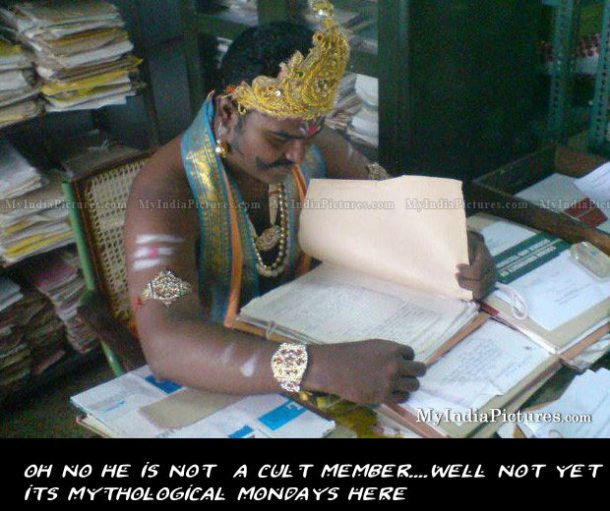 funny-office-employee-dress-up-indiawe